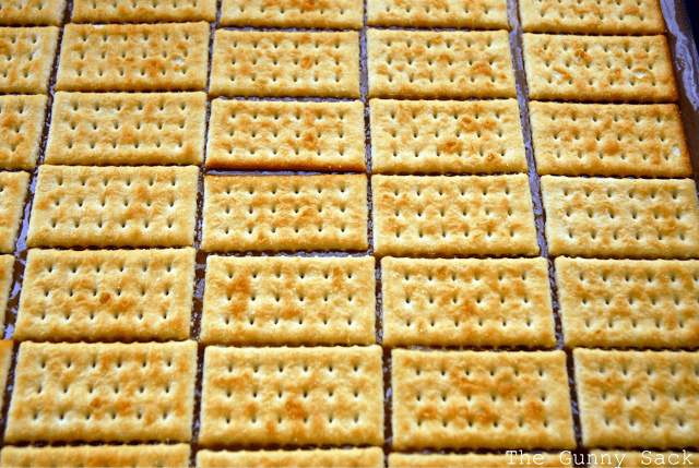top caramel with crackers