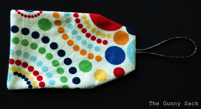 turn tag inside out