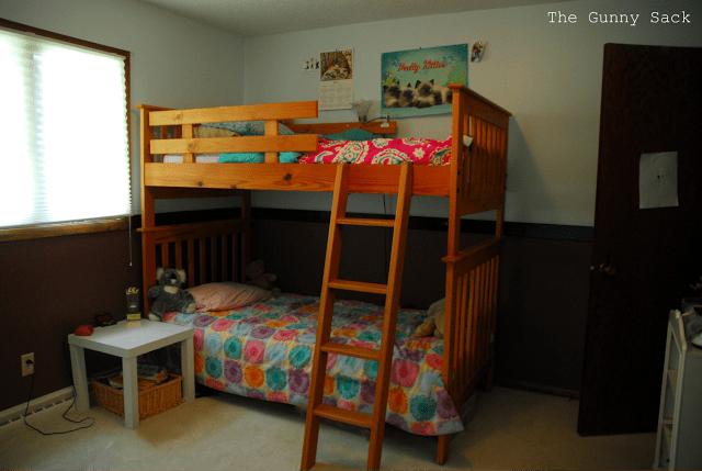bunkbeds in bedroom