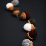 {Tutorial Tuesday} Felt Acorns