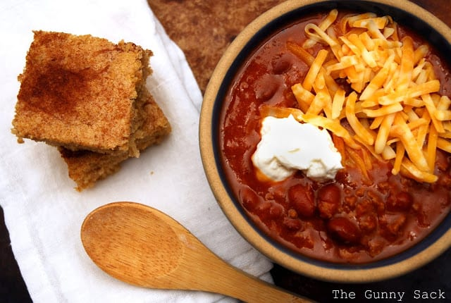 basic chili and cornbread
