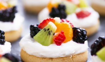 Mini Fruit Pizza with Video