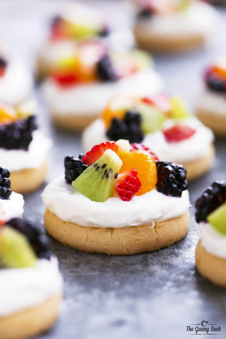 mini fruit pizza recipe with video the gunny sack. Black Bedroom Furniture Sets. Home Design Ideas