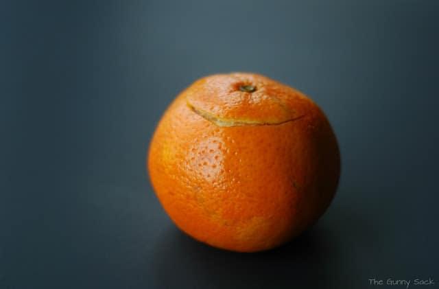 slice top of tangerine