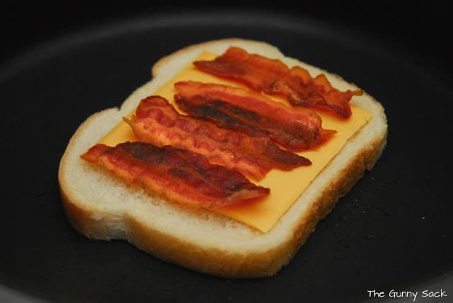 bread with cheese and bacon