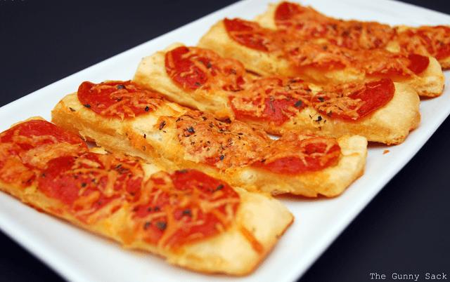 Copycat Applebee's Pizza Sticks