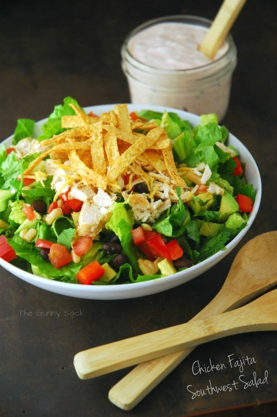 Chicken Fajita Southwest Salad Recipe 15 Summer Salads #recipe #salad #summerrecipes