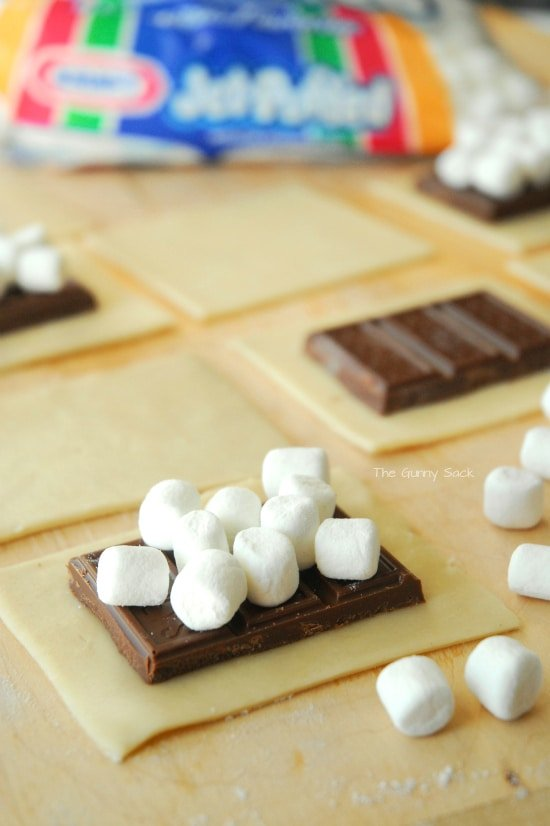 Jet Puffed Mini Marshmallows S'mores