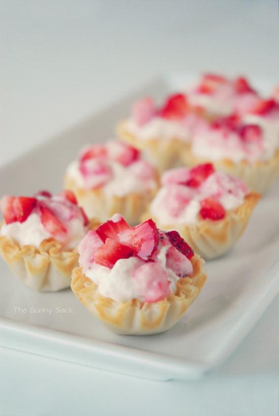 Strawberries 'n Cream Cups - The Gunny Sack