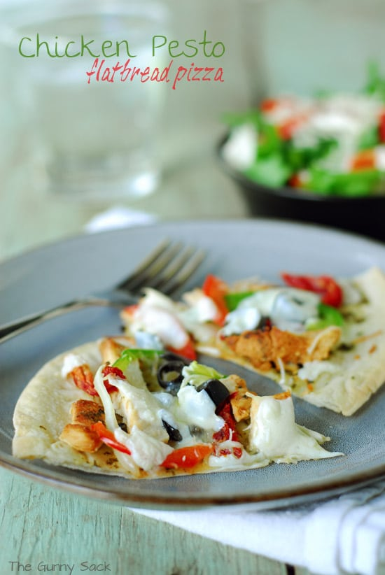 Easy Chicken Pesto Flatbread Pizza