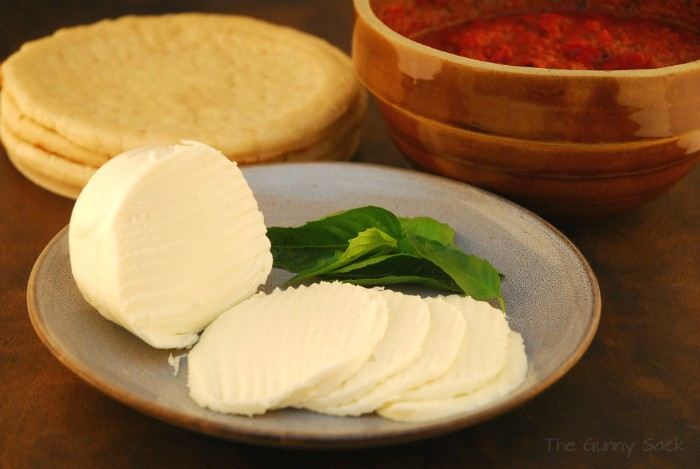 Fresh Mozzarella Cheese Crust Sauce