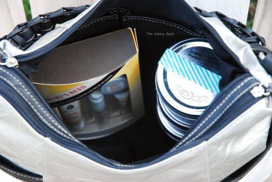 Inside_Handbag