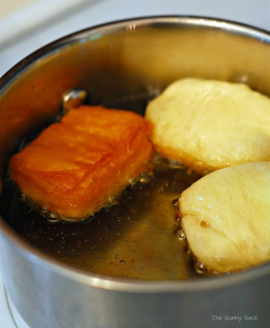 friing beignets