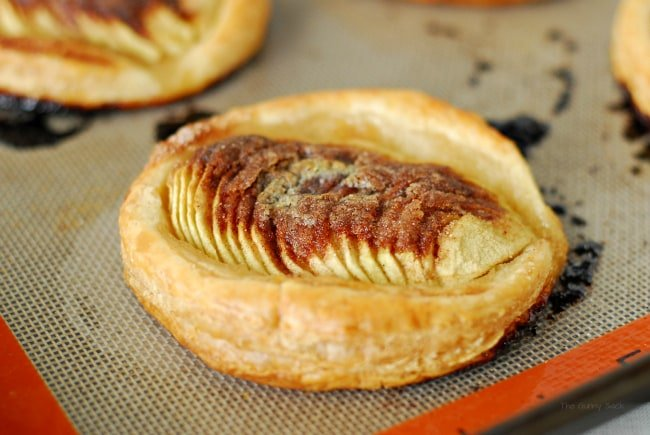 Puff Pastry Dessert With Apples