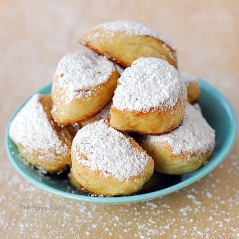 Snowball Pretzel Nuggets