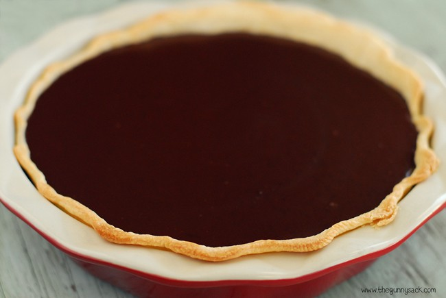 Chocolate layer in crust
