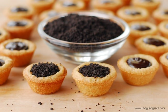 crushed Oreos in sugar cookie cups