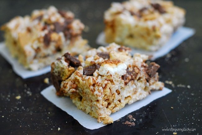 sliced s'more rice krispies bars