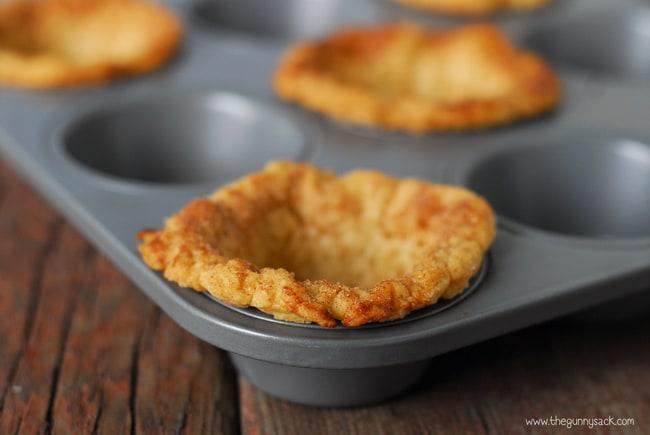 Pie crust bowls