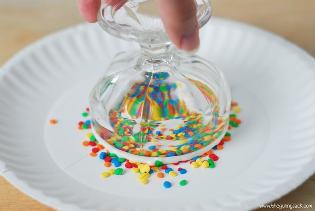 Coat the bowl rim in sprinkles