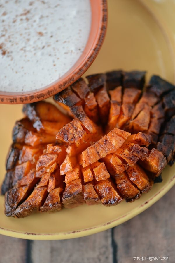 Blooming sweet potato with dip