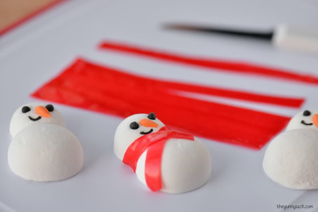 Fruit roll up snowman scarf