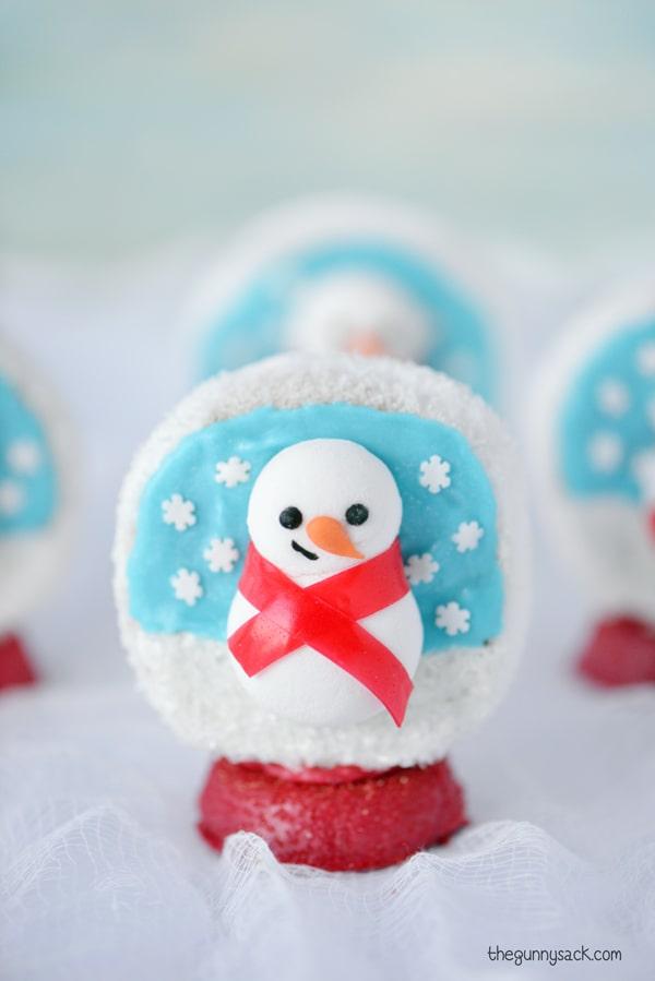 Snowman snow globe holiday treat