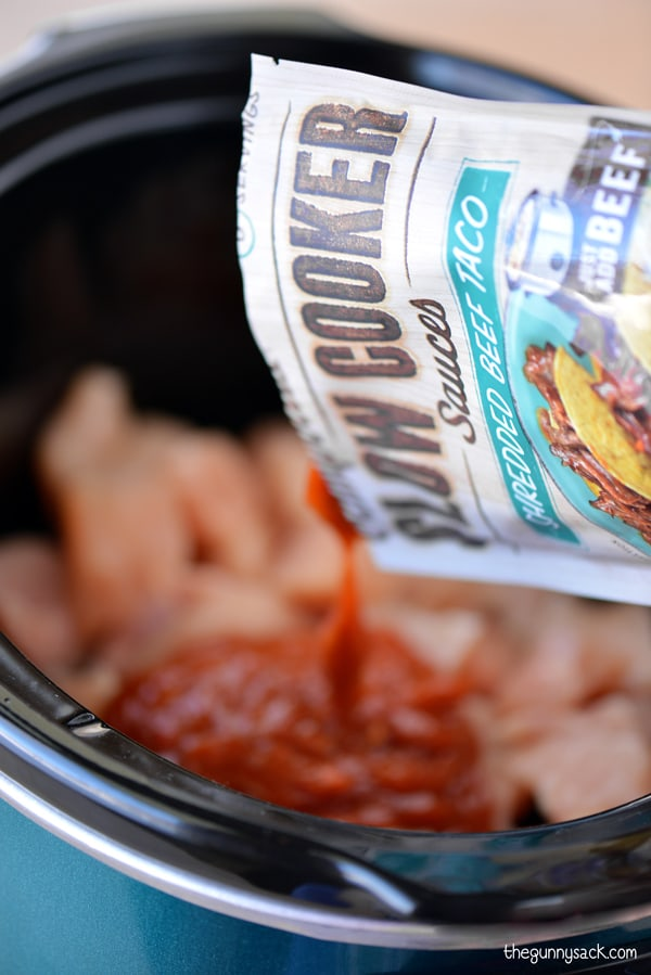 Campbells Slow Cooker Sauces Shredded Beef Taco #CampbellsSauces