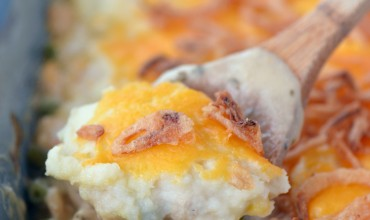 Easy dinner recipe for Chicken Pot Pie with Cheesy Mashed Potatoes.