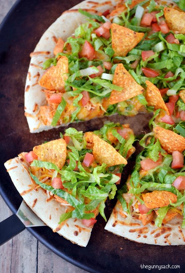 Homemade Taco Pizza Recipe #CampbellsSauces