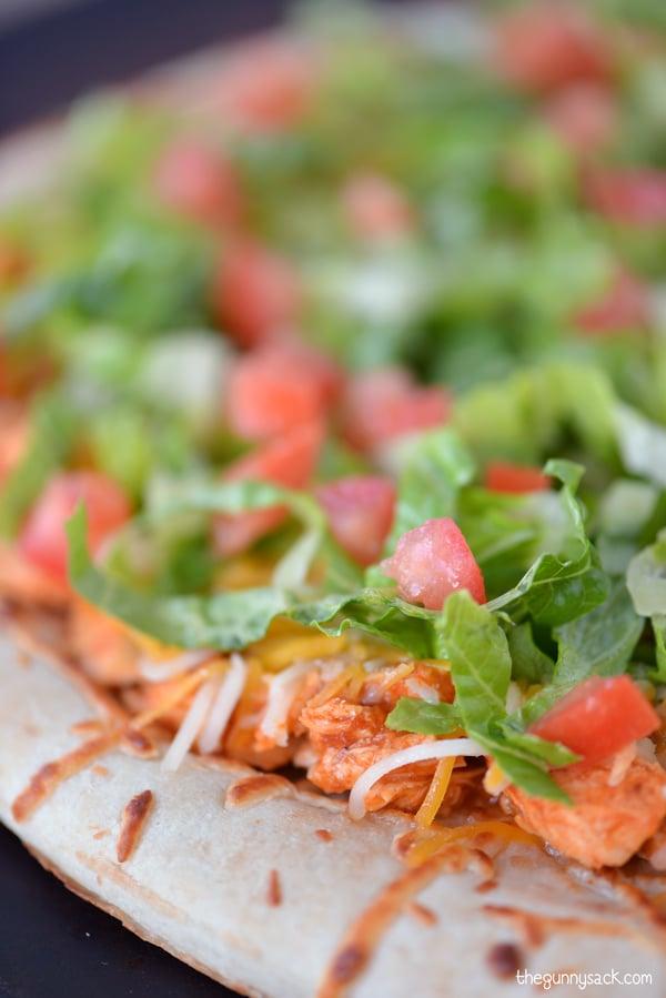 Southwest Chicken Pizza Recipe #CampbellsSauces
