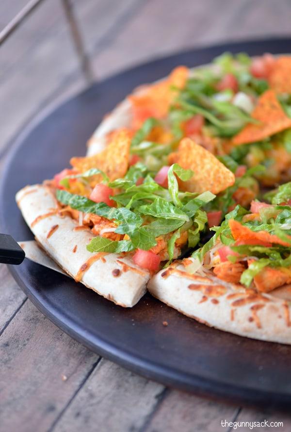 Taco Pizza Recipe #CampbellsSauces