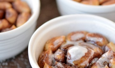 Bloomin' Cinnamon Rolls Recipe | thegunnysack.com