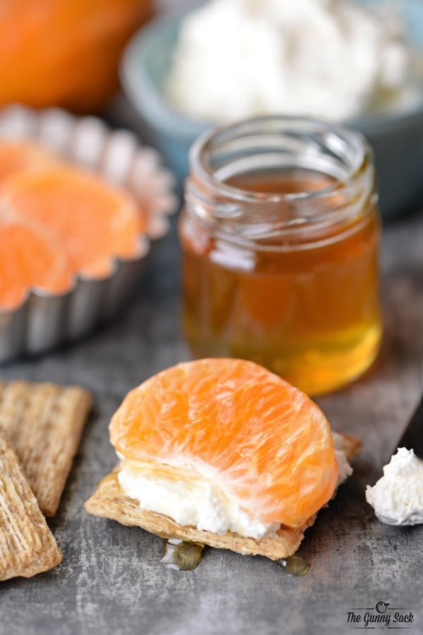 Honey Tangerine Cream Cheese Triscuit | thegunnysack.com