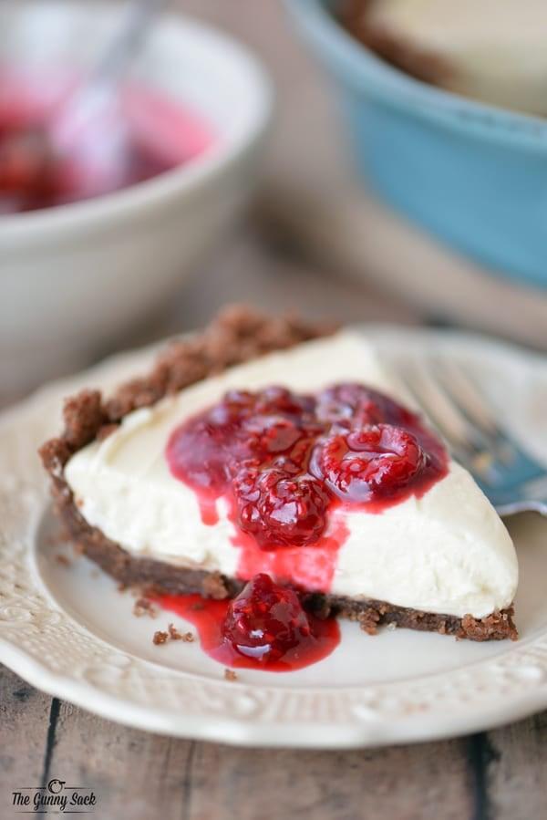 Easy Cheesecake Recipe with Raspberry Sauce
