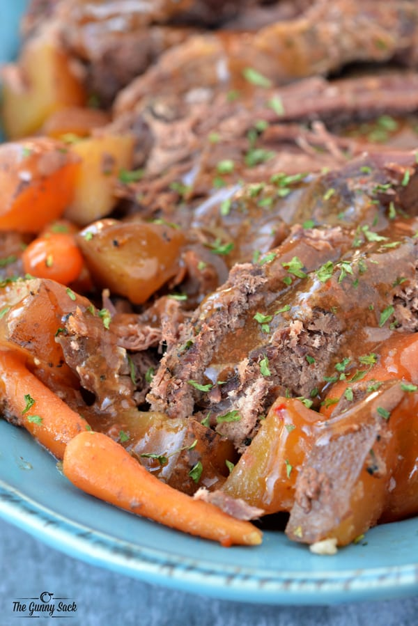 Slow Cooker Pot Roast | thegunnysack.com