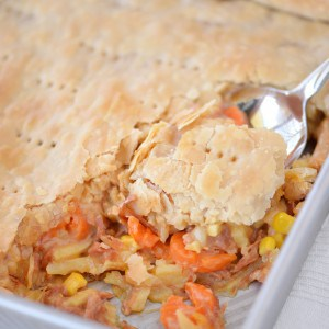 Cheesy Ham Pot Pie | thegunnysack.com