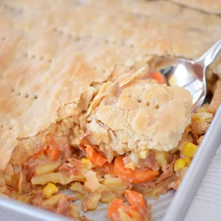 Cheesy Ham Pot Pie | thegunnysack.com
