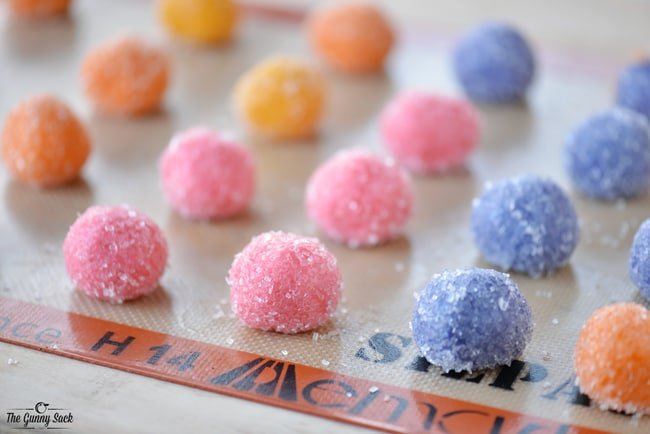 Dipped Sugar Cookies | thegunnysack.com