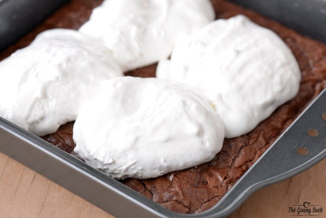 Marshmallow Cream Brownies | thegunnysack.com