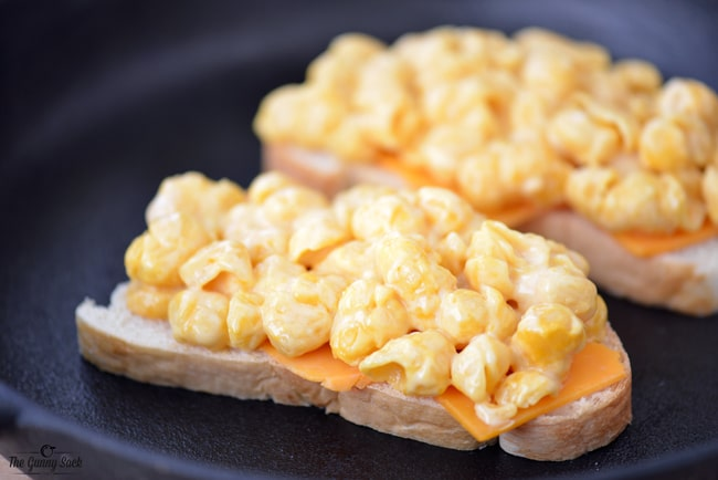 Mac and Cheese on bread