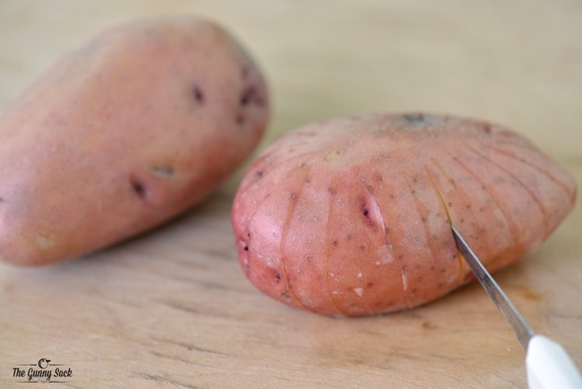 How To Cut Bloomin' Potatoes   thegunnysack.com