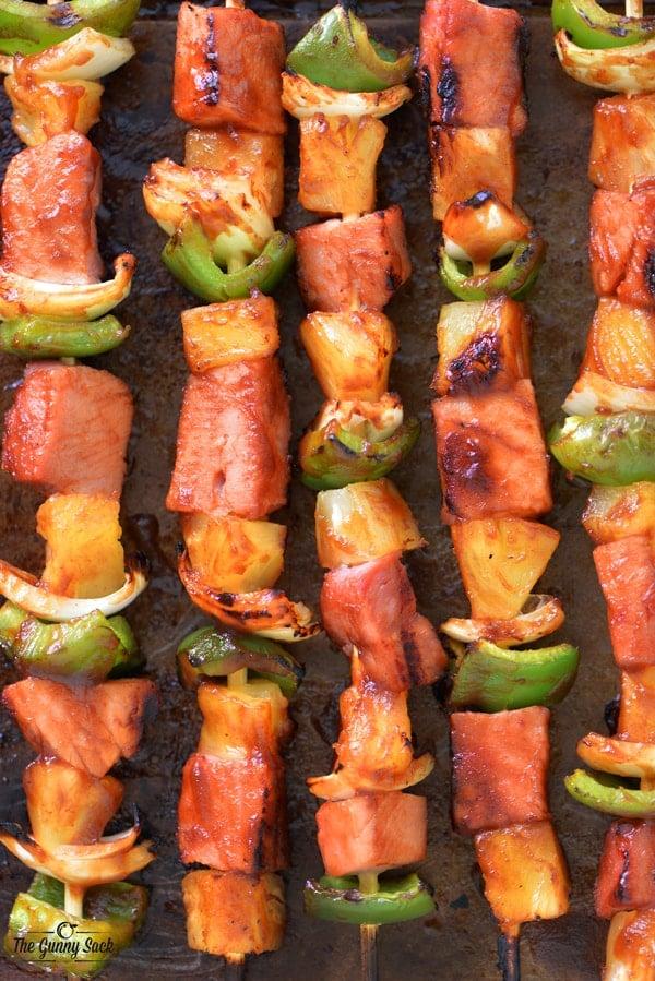 Sweet and Spicy Hawaiian Kabobs | thegunnysack.com