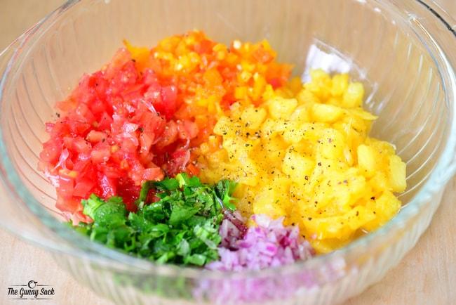 Homemade Pineapple Salsa | thegunnysack.com