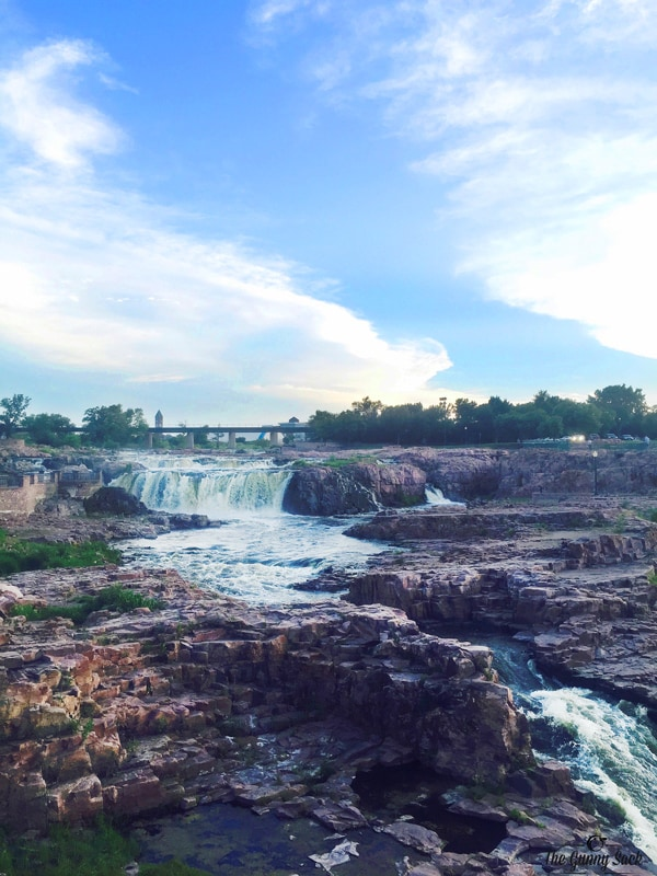 Waterfall Big Sioux River, Sioux Falls, SD | thegunnysack.com
