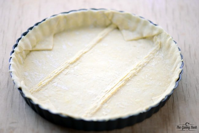 Puff Pastry in tart pan