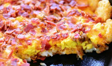 Tater Tot Breakfast Pizza with Video