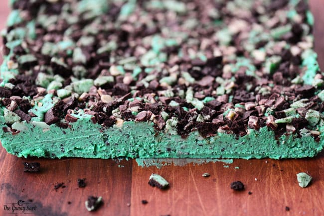 chocolate mint Oreo fudge before being sliced into pieces