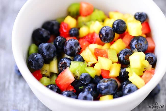 sliced fruit in bowl