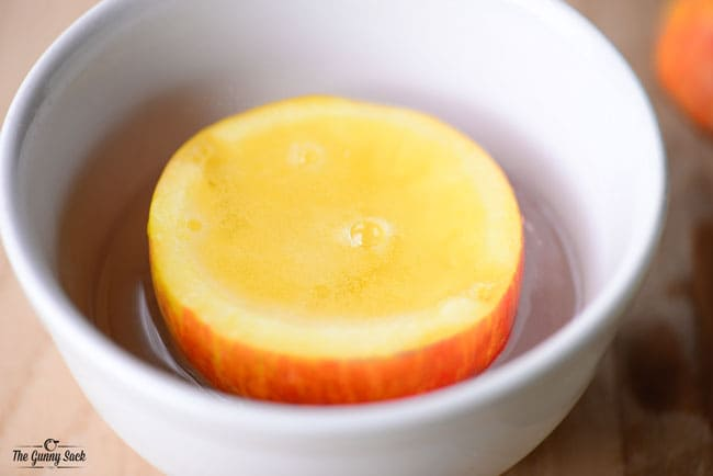 apple in liquid